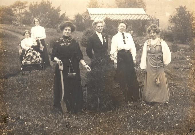 Emmeline Pankhurst, Annie Kenney and Mrs Blathwayt - Bath In Time
